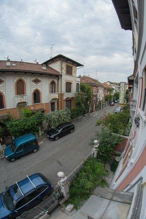 Ambra: Street view