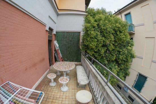 Ambra: Balcony 2