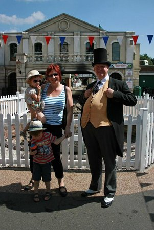 Drayton Manor Park: Fat Controller controlled