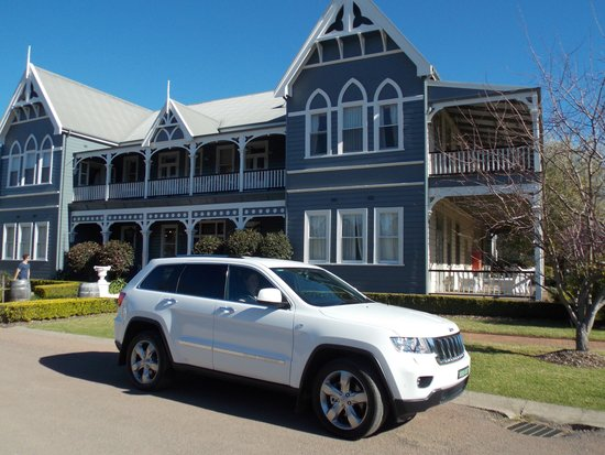 Vineyard Shuttle Service Daily Guided Winery Tours : Private Wine Tour by 4WD