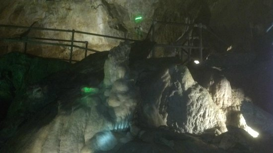 Crystal Cave: Inside Cave tour