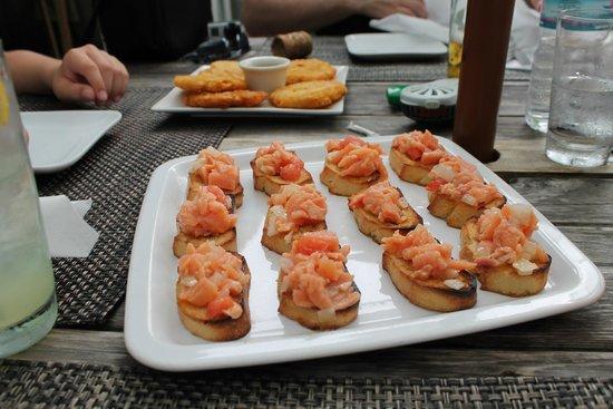 The Beach House Restaurant and Tapas Bar: Salmon Bruschetta