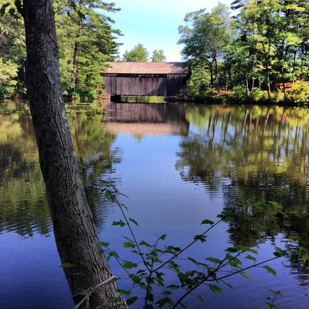 Old Sturbridge Village: Covered bridge