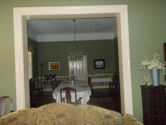 Open Gates B&B: Dining room