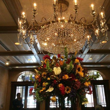 Royal Sonesta New Orleans: Front Entrance Lobby