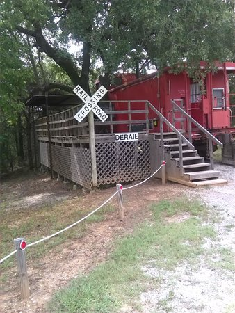 River of Love Cabins : The Caboose