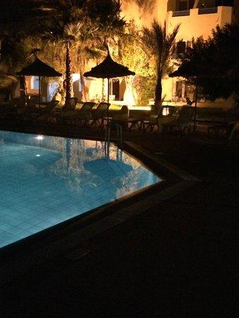 Hotel Djerba Les Dunes: premiere piscine