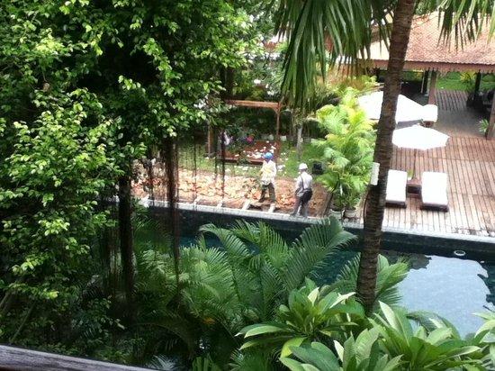 Belmond La Résidence d'Angkor: pool view