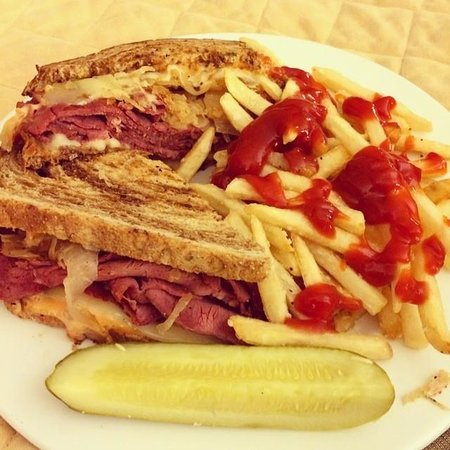 Wyndham Cleveland at Playhouse Square: Reuben and Fries