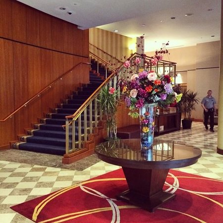 Wyndham Cleveland at Playhouse Square: Hotel Lobby