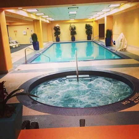 Wyndham Cleveland at Playhouse Square: Hot Tub and Pool