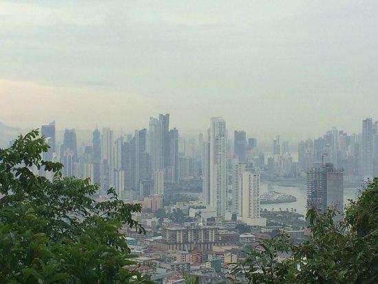 Cerro Ancón: 新市街