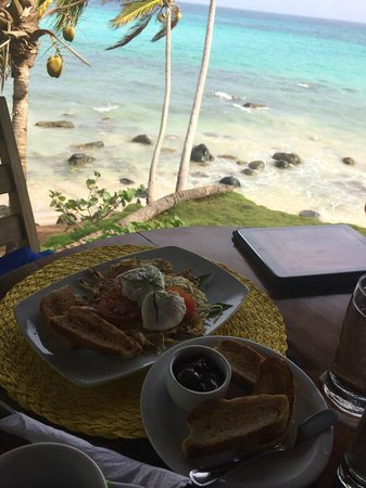 Yemaya Island Hideaway & Spa : delicious island breakfast with a view!!