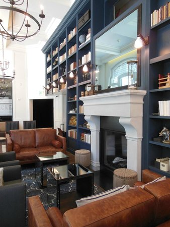 Hotel Teatro: The Study - feels like a living room