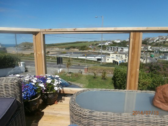 The Cove Guesthouse: View from decking on a clear day