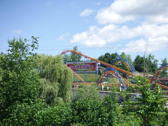 The Great Escape and Splashwater Kingdom : Screamin' Demon (of Pain)