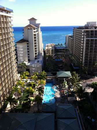 Embassy Suites by Hilton Waikiki Beach Walk: Grand Lanai & pool from 1907 aloha Tower