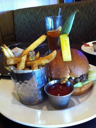 Hard Rock Cafe : Beef burger & fries, excellent taste and delivered promptly