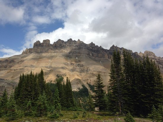 Great Divide Day Hikes: Dolomites