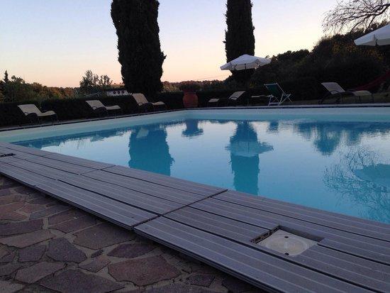 Castellare di Tonda Resort & Spa : Piscina eduficio 1