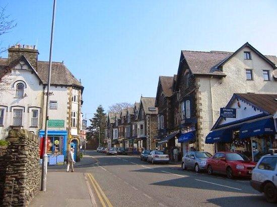 Lake District Tours: 故郷の村