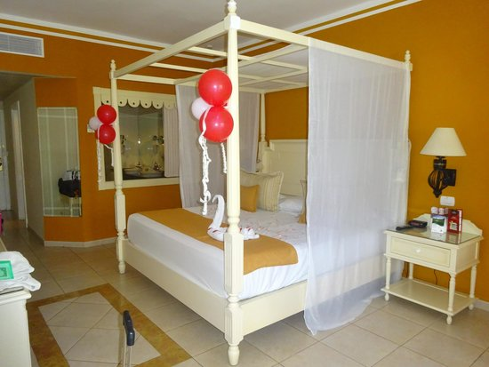 Luxury Bahia Principe Esmeralda Don Pablo Collection: room 91116 (3rd room)