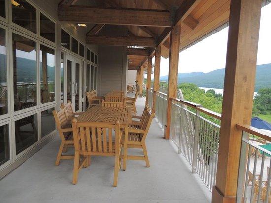 Nature Inn at Bald Eagle: Deck