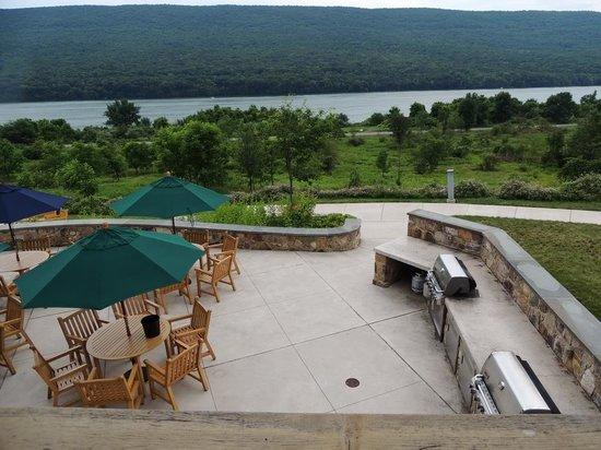Nature Inn at Bald Eagle: Grills