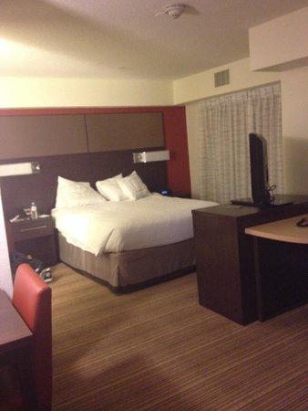 Residence Inn San Diego Carlsbad : sleeping area