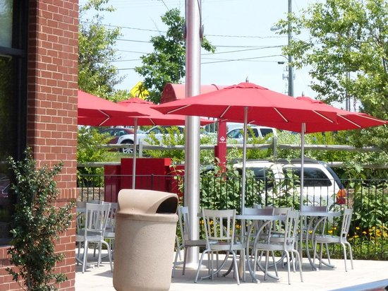 Chick-Fil-A Outdoor Dining Elkton