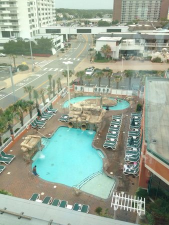 Holiday Inn & Suites North Beach: Rear side pool