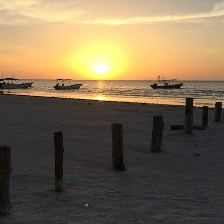 Holbox Hotel Mawimbi: amazing sunset
