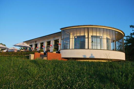 Bauhaus Dessau Foundation: Das Kornhaus restaurant