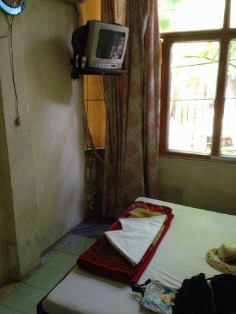 Hanoi Family Homestay : modrige Wände modriger Geruch