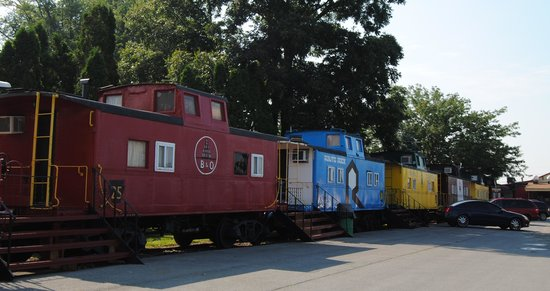 Red Caboose Motel, Restaurant & Gift Shop : other cabooses