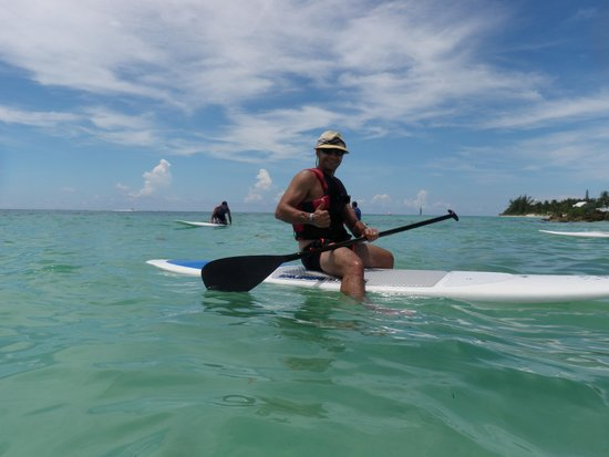 Memories Grand Bahama Beach and Casino Resort: Paddleboard