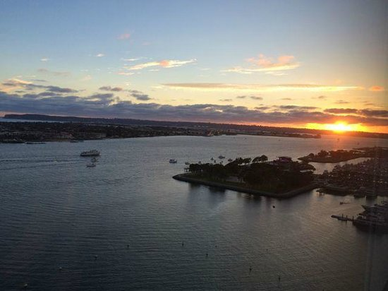 Hilton San Diego Bayfront: Sunset from a SW corner room