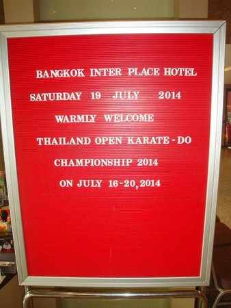 Bangkok Inter Place Hotel: Welcoming notice