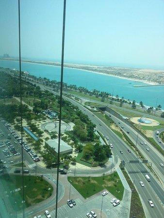 Sofitel Abu Dhabi Corniche: cornich view
