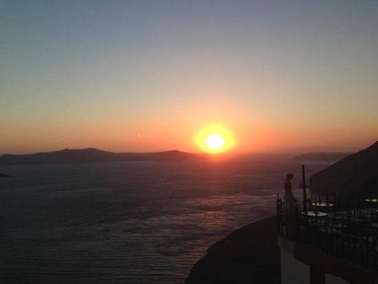 OceanWave Tours: The famous Santo Wine, good place to see sunset instead of touristy Oia.