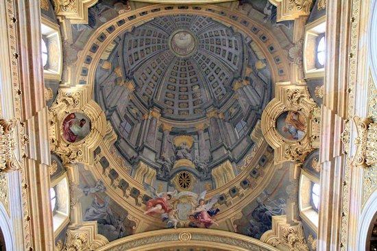 Pozzo\'s \'The trompe l\'oeil dome\' fresco - Picture of Church of the ...
