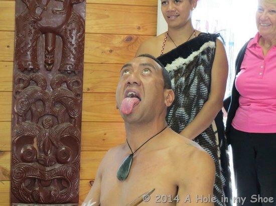 Whakarewarewa: The Living Maori Village: Amazing performers