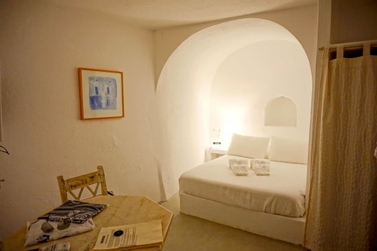 Oia Mare Villas : Bedroom