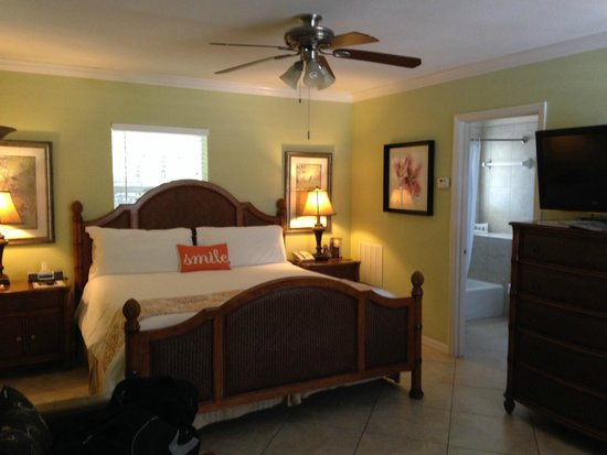 Tropical Beach Resorts : Comfy room