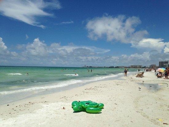 Tropical Beach Resorts: Amazing beach