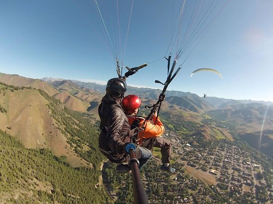 Fly Sun Valley: Flying above Ketchum