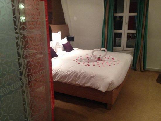 Mercure Hanoi La Gare Hotel: Camera da letto!!
