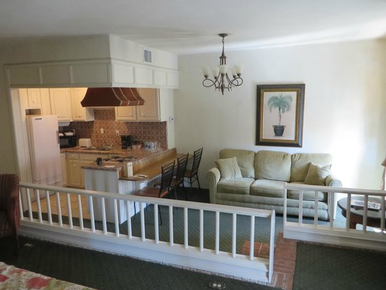 The Hotel Paisano: Courtyard Suite
