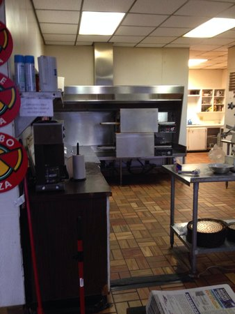 Simple Simon's Pizza: Where it all happens, sometimes.