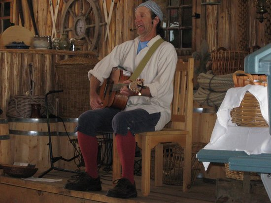 Beggar's Banquet: Etienne le musicien!